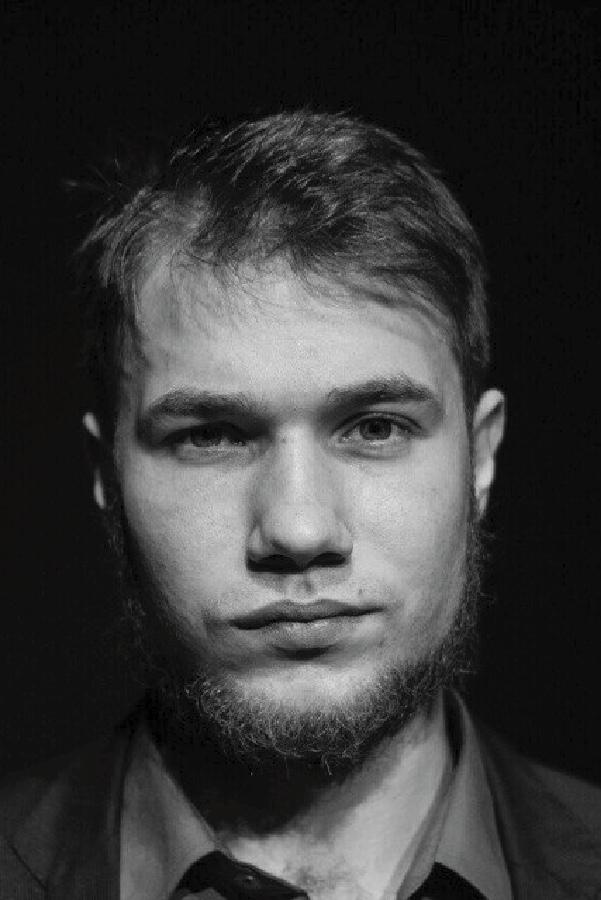 Антон Парамонов